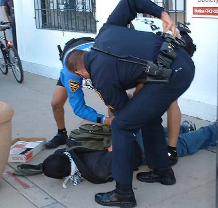 making-an-arrest-photo