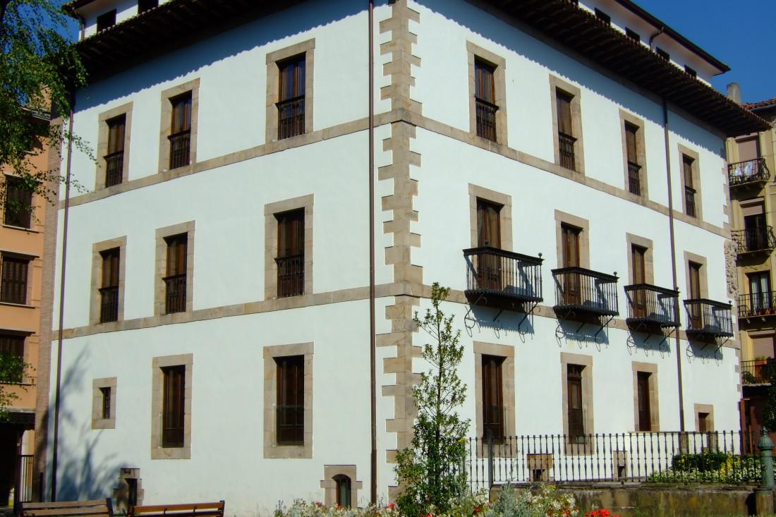 Casa Irizar, donde se firmó el Convenio de Vergara.