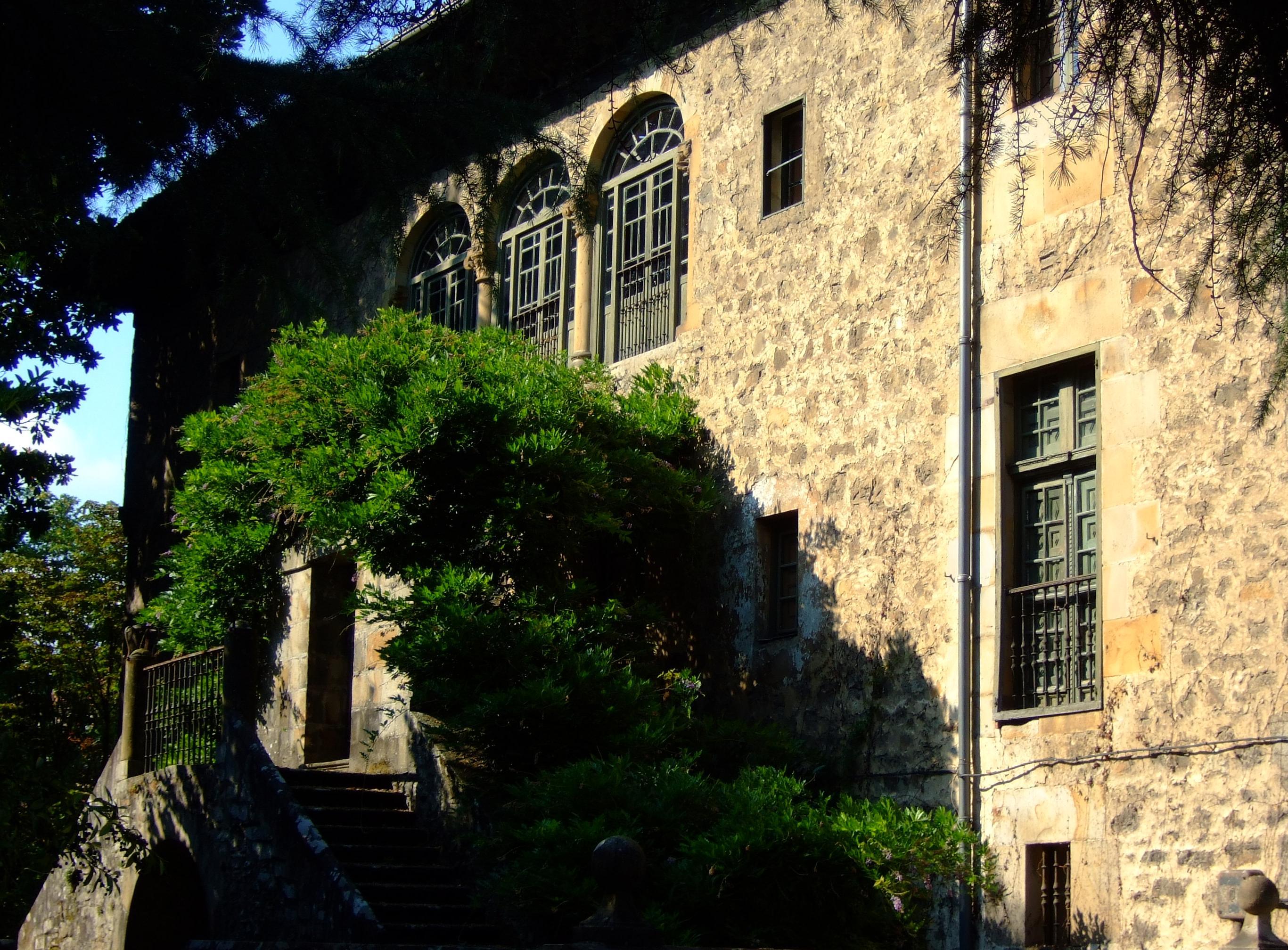 Palacio Laureaga.