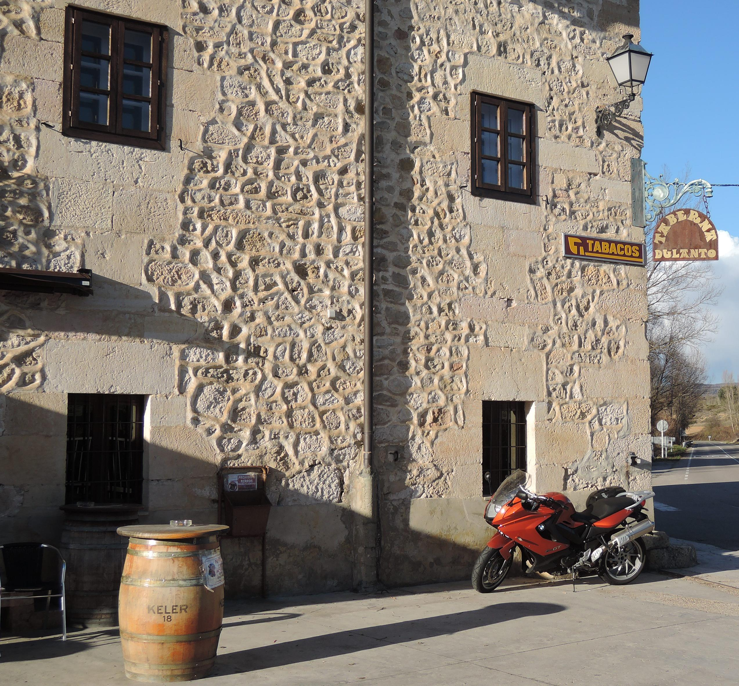 Stop at Dulanto's tavern, Burgos.