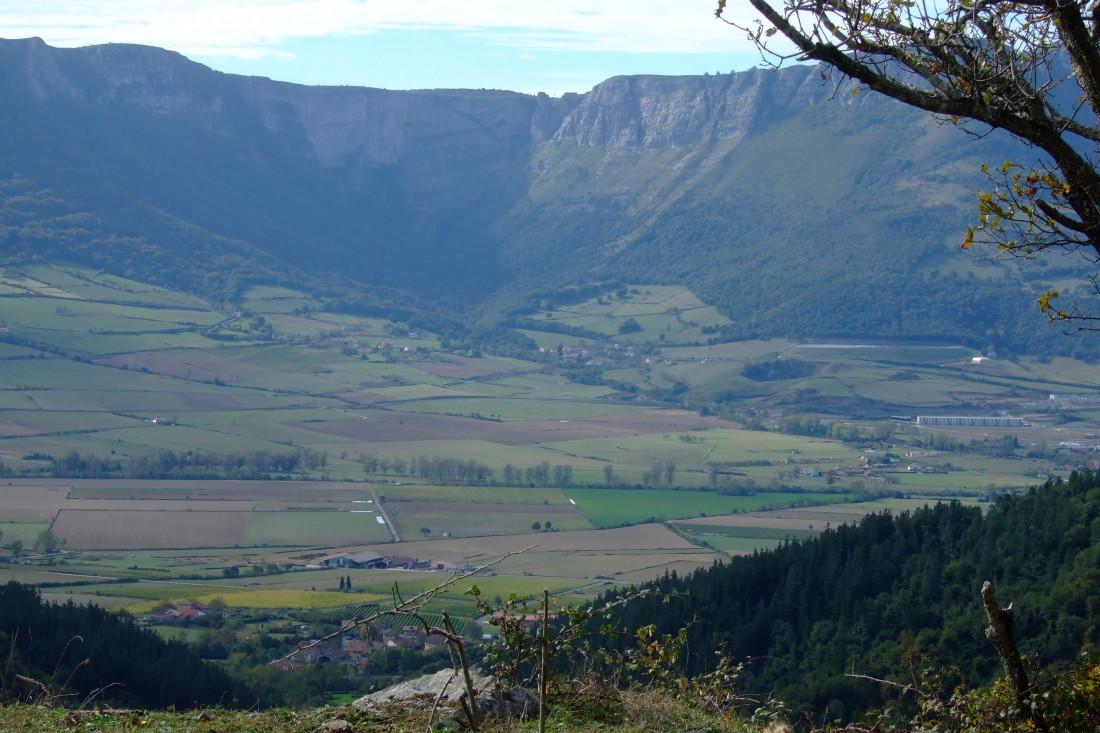 Valle alto del Nervión. Al otro lado está Burgos.