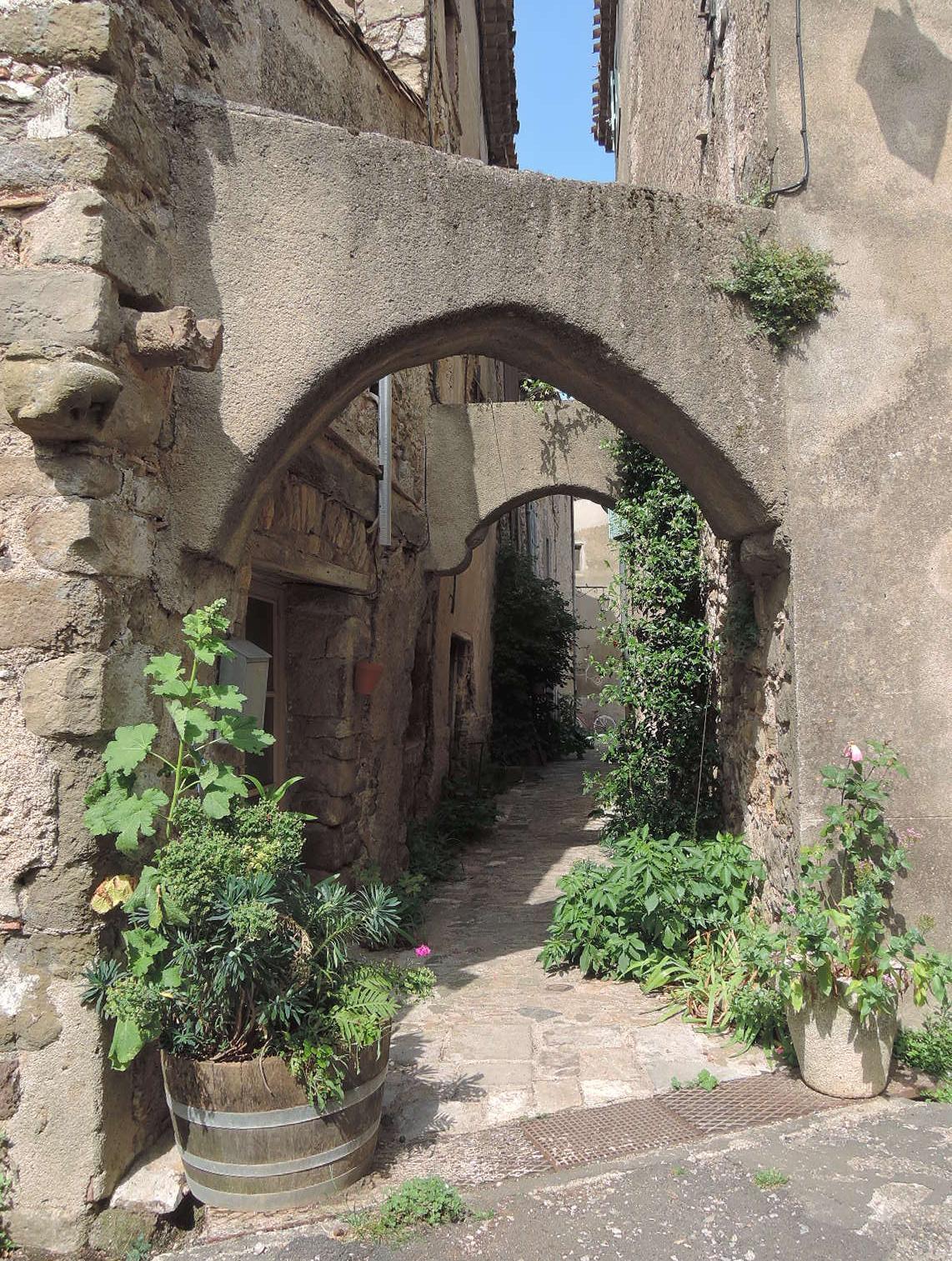 Callejón en Villerouge-Termenés.