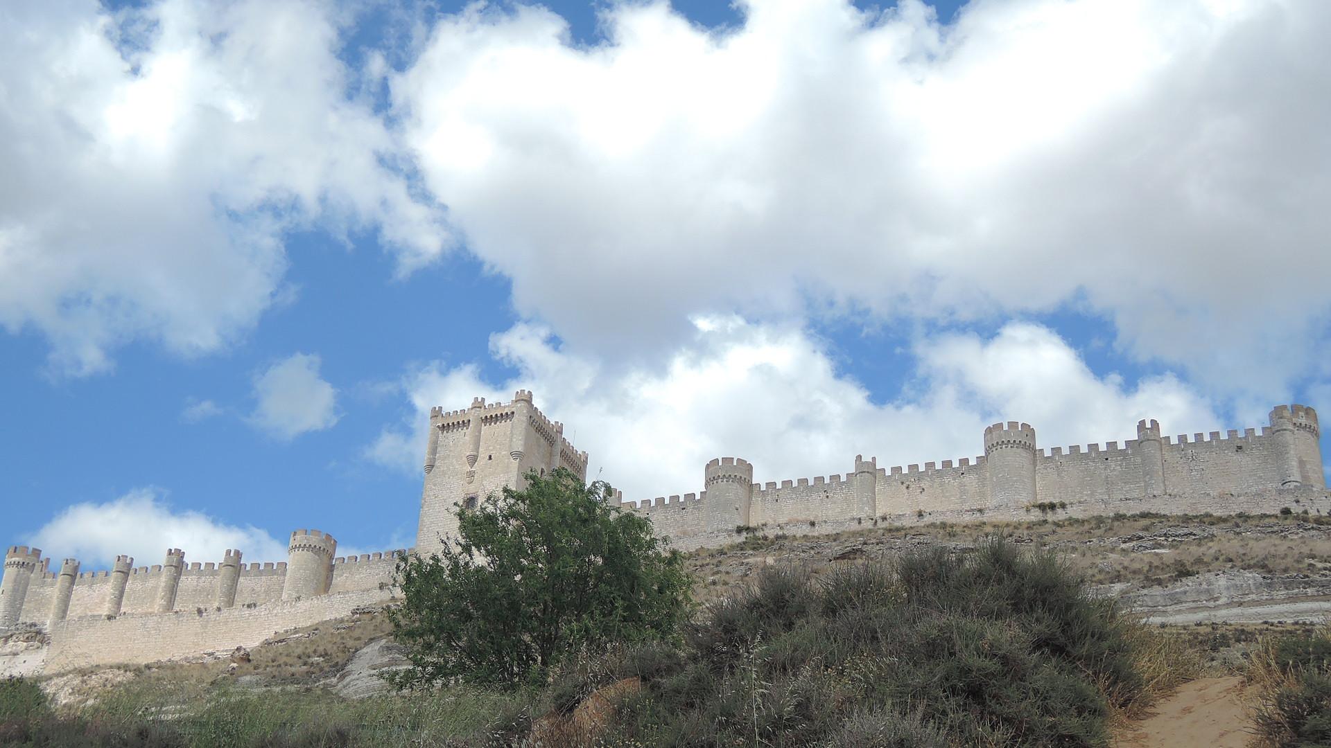 El imponente -y bien conservado- castillo de Peñafiel.