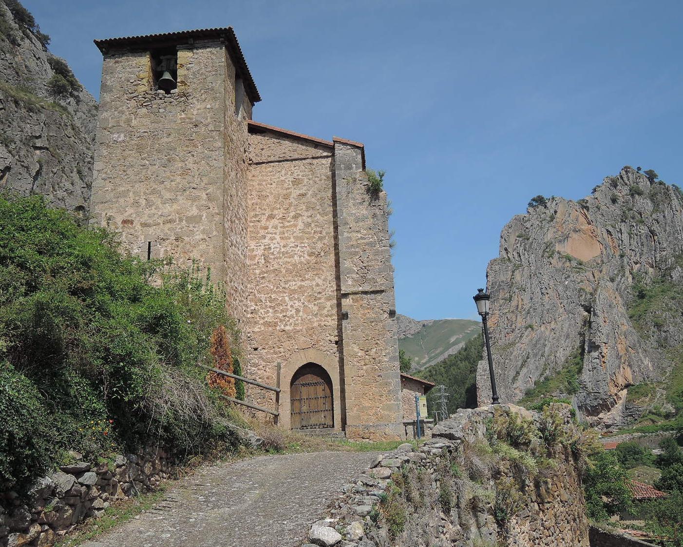 Iglesia San Pedro de Cuevas.