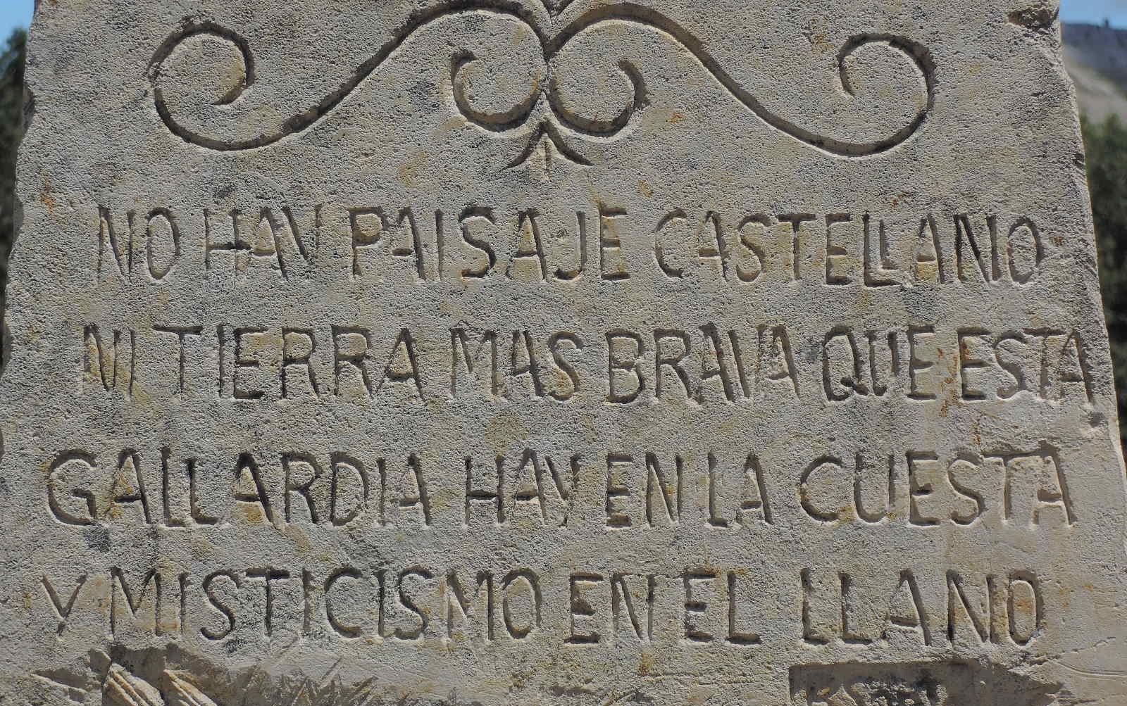 No hay paisaje castellano ni tierra más brava que esta. Gallardía hay en la cuesta y misticismo en el llano.