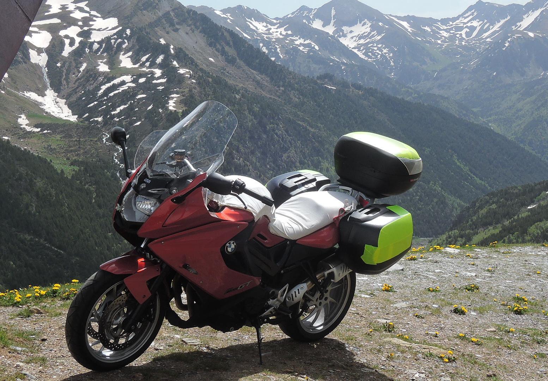 Rosaura en la cima de los Pirineos (Andorra)
