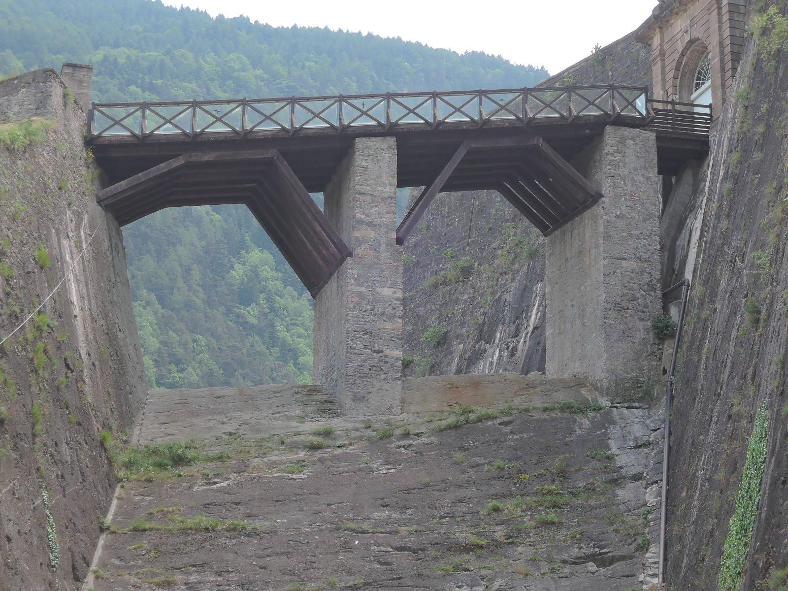 El puente de entrada a la fortaleza.