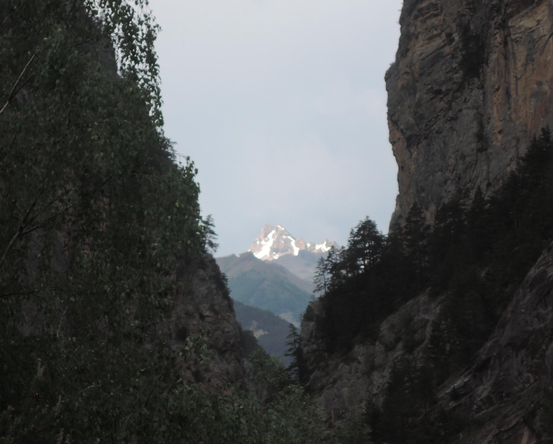Escarpadas laderas de los Alpes.