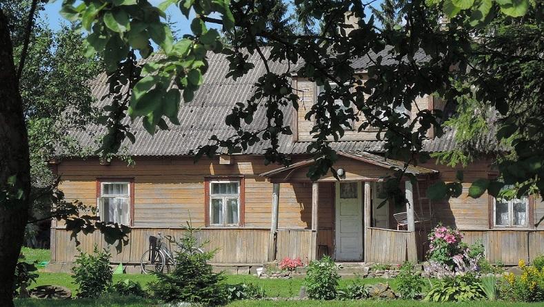 Predominio absoluto de la madera en las construcciones rurales.