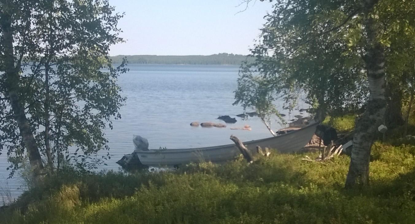 No hay casita de campo que no dipsonga de su canoa