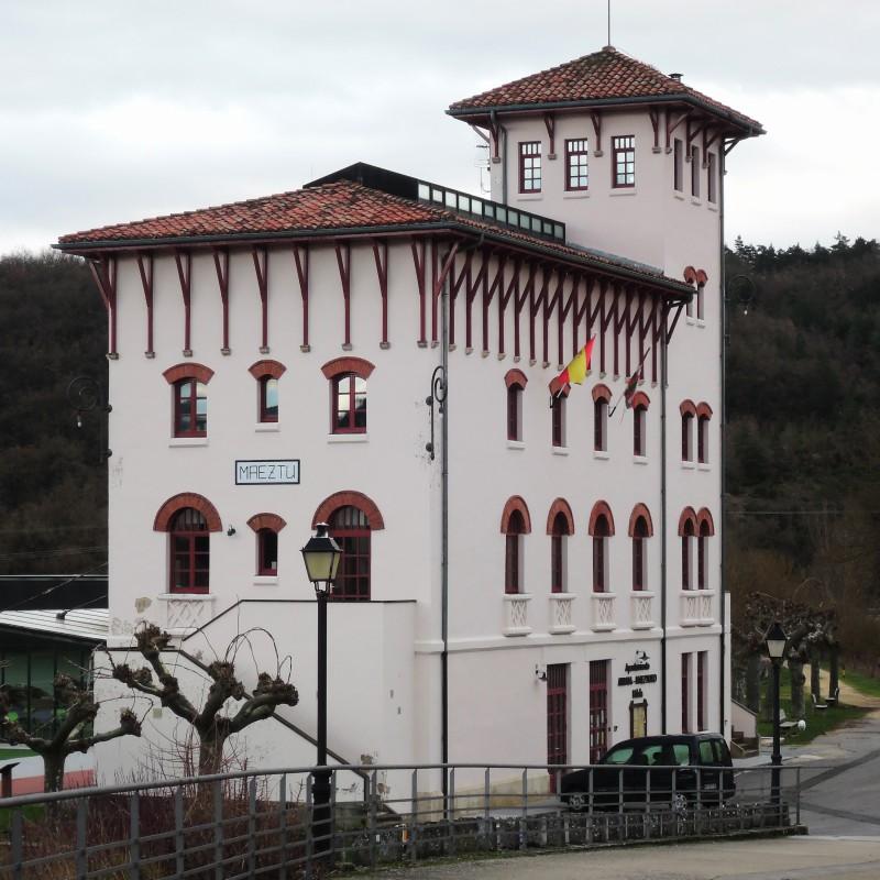 Ayuntamiento, vieja estación del ferrocarril