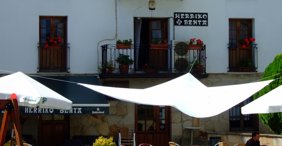 Una de tantas herriko-tabernas en Vizcaya