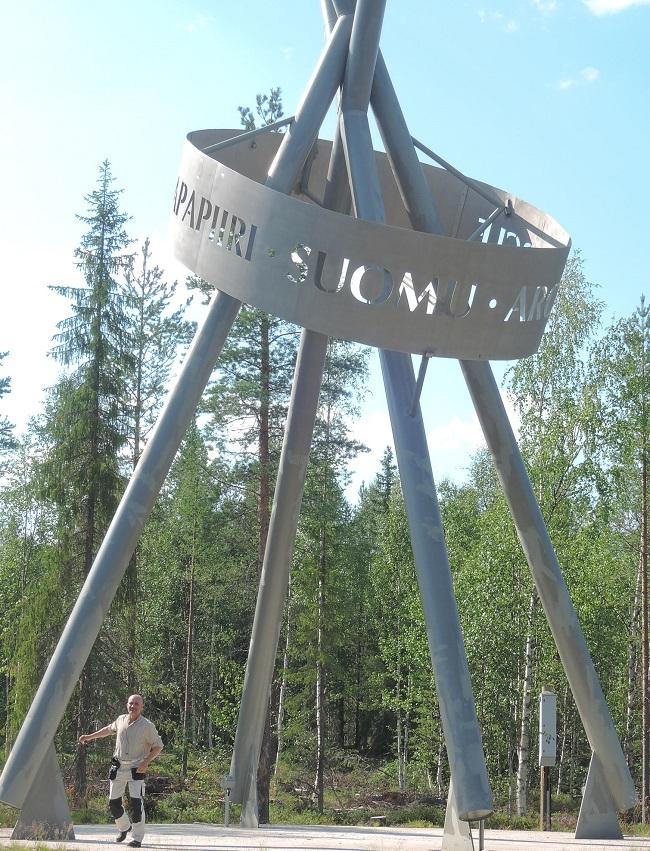 Escultura al paso del círculo polar
