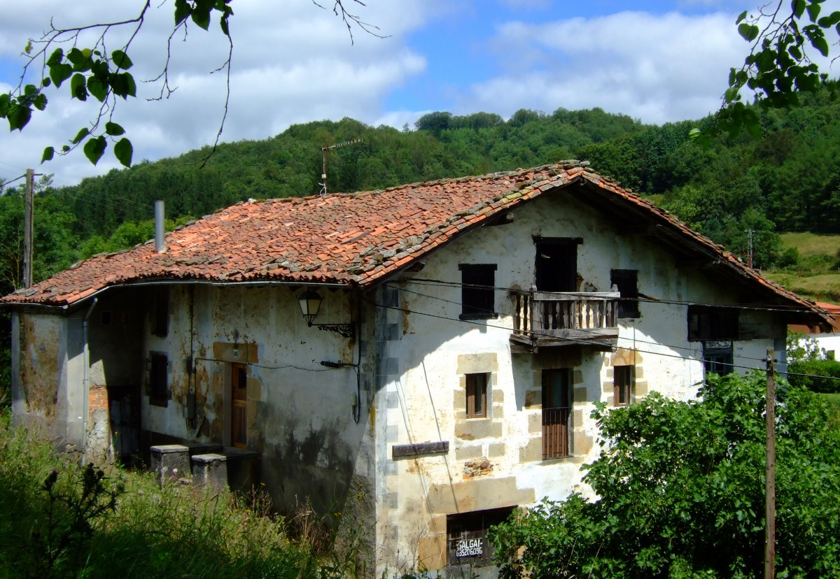 Vieja casa solariega en Ubidea