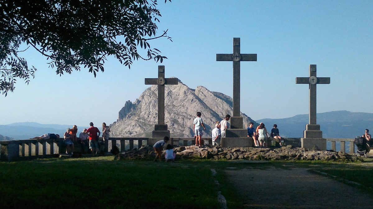 Mirador del via crucis sobre el valle hacia Durango