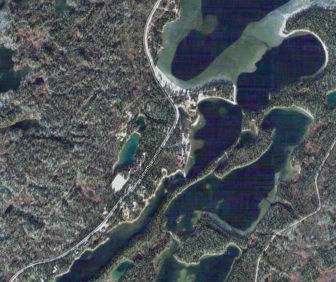 Ese grupo de casas en medio del bosque es Sevettijärvi