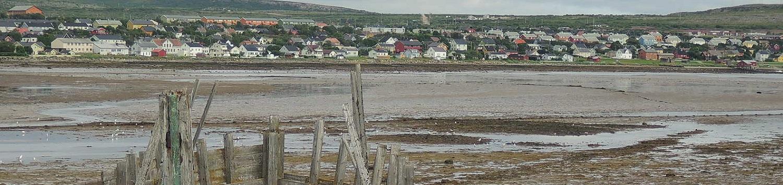 Vadso visto desde la isla Vadsoya, donde estuvo el asentamiento original