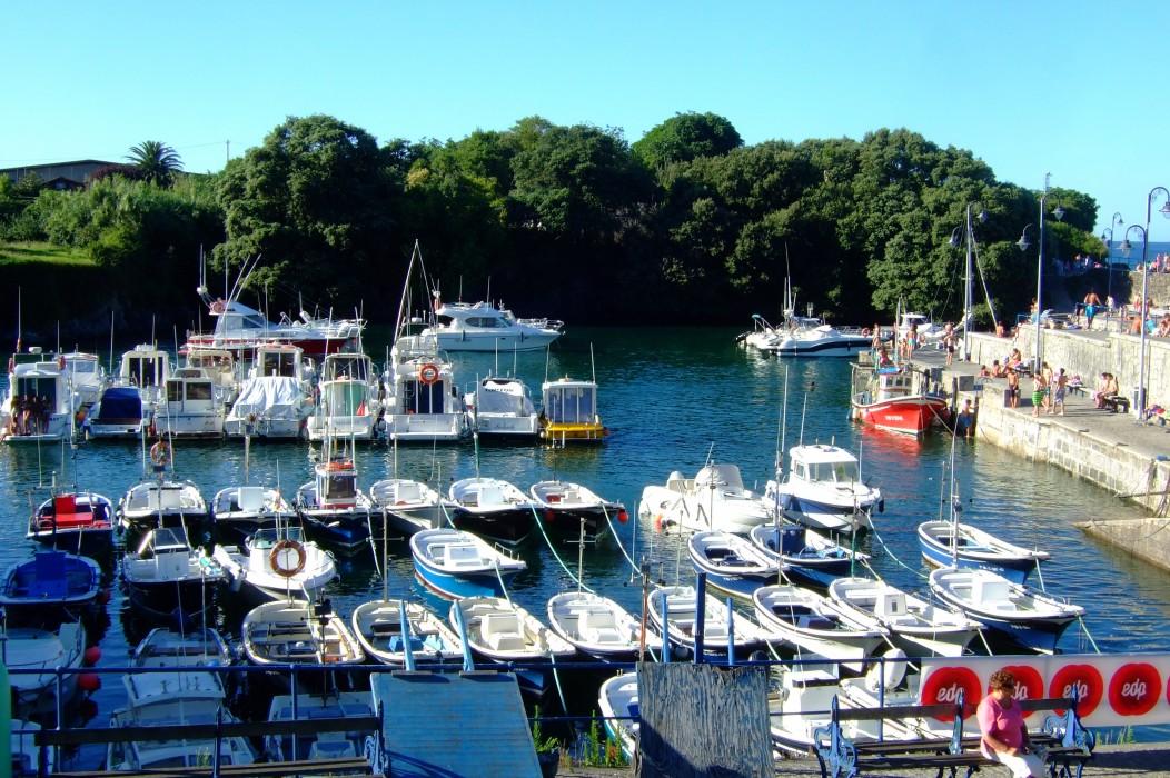 Las barquitas del pequeño puerto de Mundaca