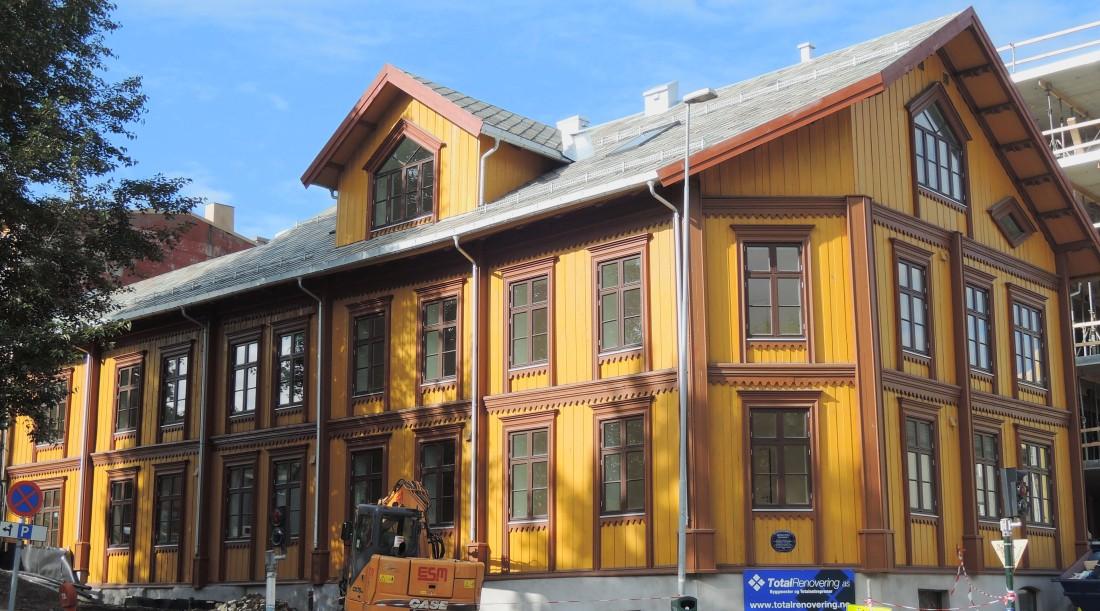 Una de las viejas casas de madera por las que Tromso es famosa