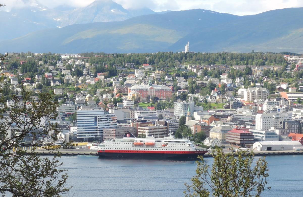 El Trollfjord amarrado en Tromso