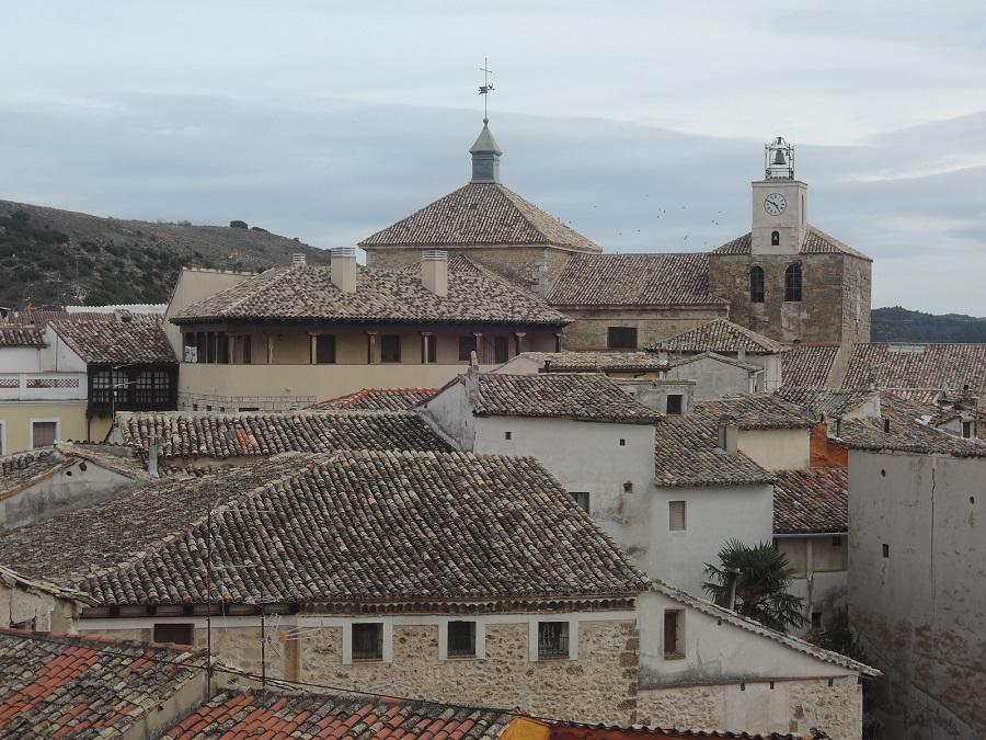 La Colegiata de la Asunción domina los tejados de Pastrana