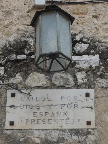 Placa homenaje a los caídos por España