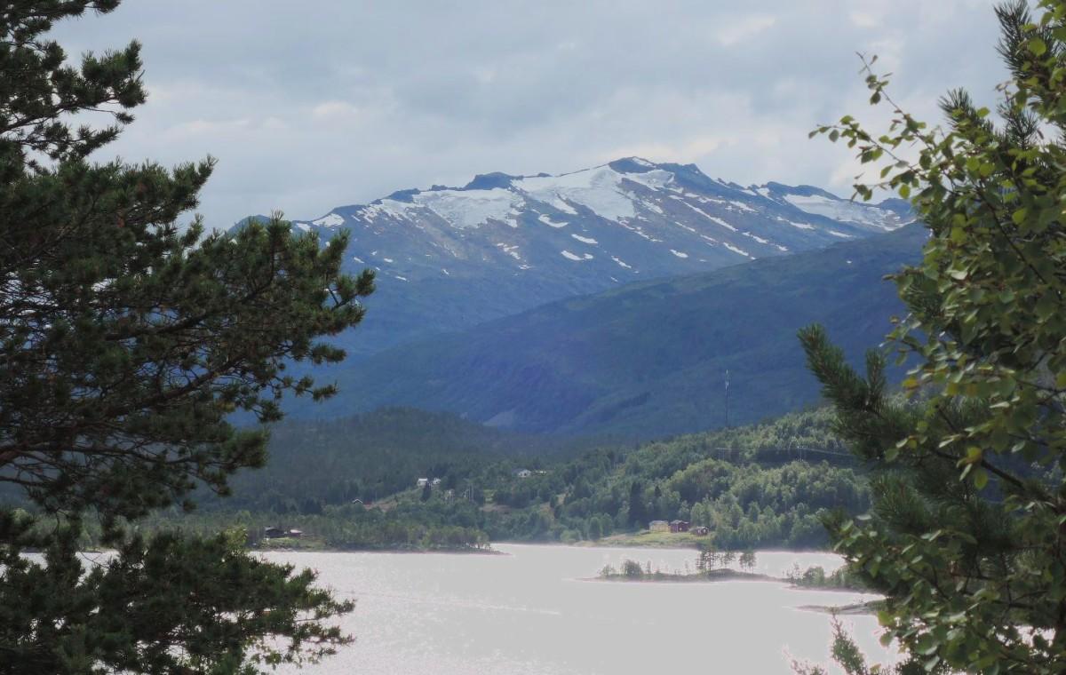 Montañas y glaciares de Steigen