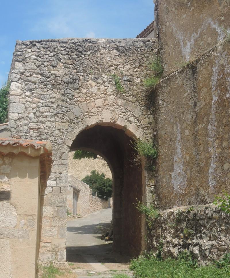Portillo de acceso norte a la villa amurallada