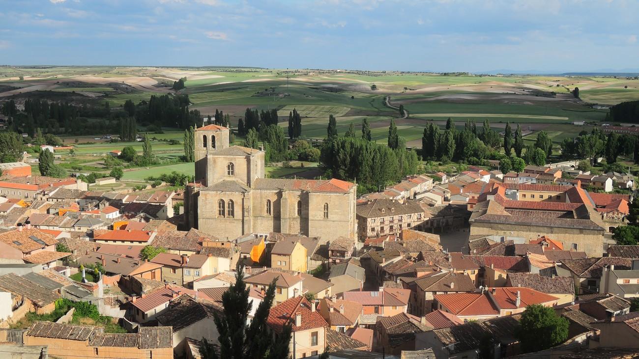 El caserío de Peñaranda visto desde la peña del castillo