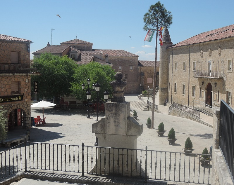 Plaza central de Caleruega
