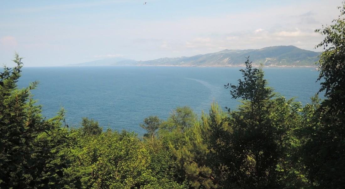 Panorámica del litoral cerca de Lequeitio