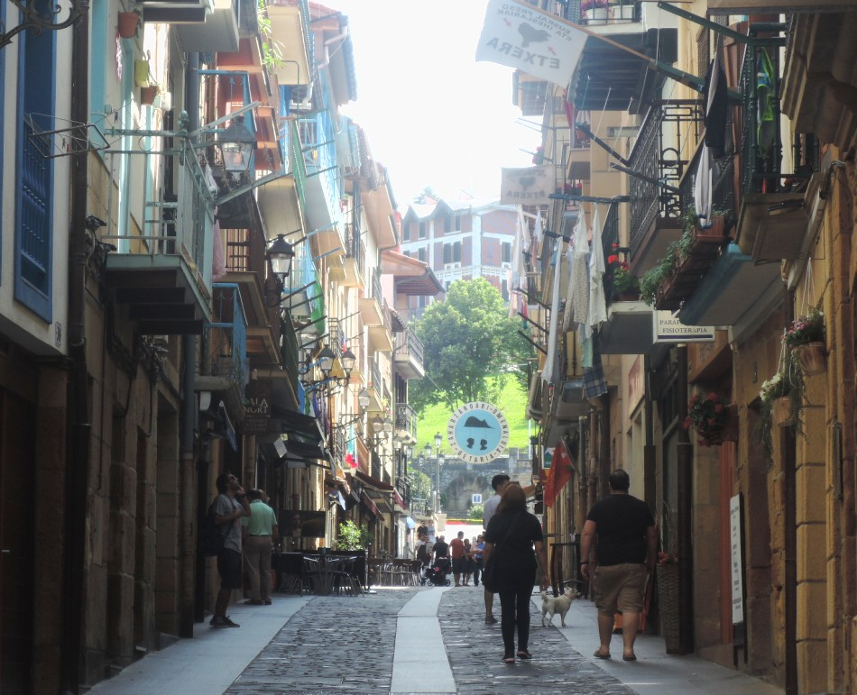 Una calle de Guetaria